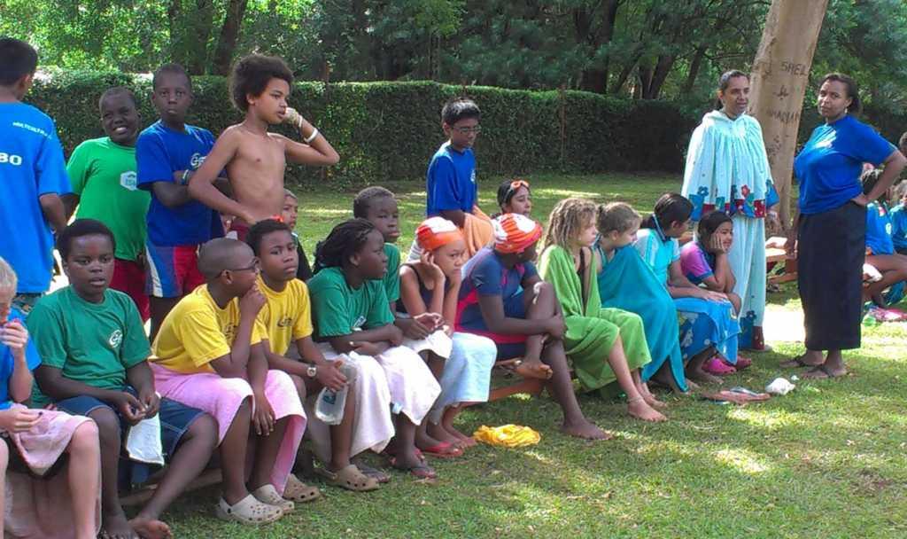 Ida's klas (P5/6) bij het ISM inter-house swimming gala.