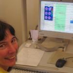 Sylvia bij het EEG-apparaat